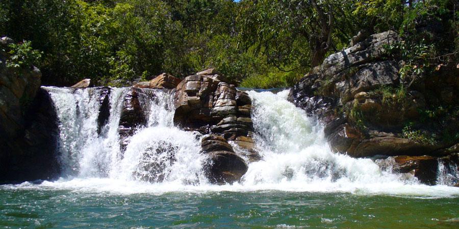 cachoeira_das_araras