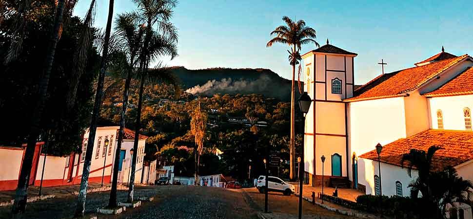 Decisão judicial reabre Pirenópolis e autoriza a entrada no município