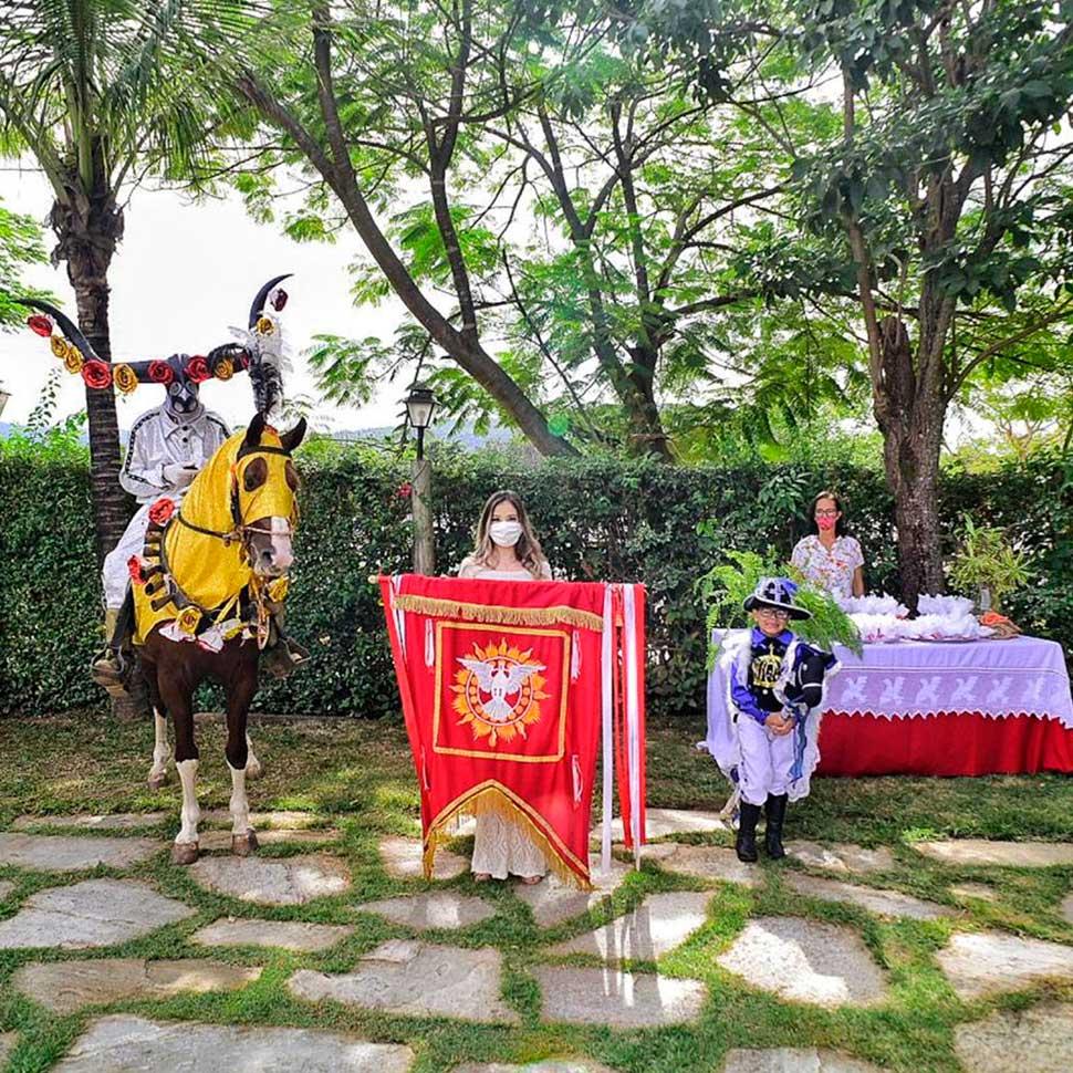 Villaê Pousada faz homenagem às Cavalhadas de Pirenópolis 1
